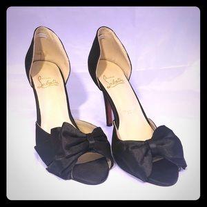 CHRISTIAN LOUBOUTIN Blk Peep Toe Heel w/ Bow 41 11